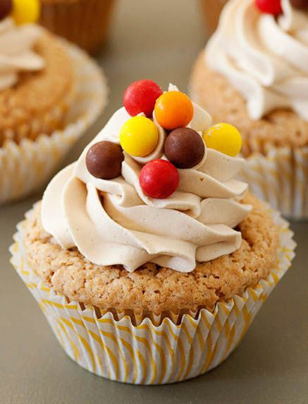 Biscoff Cupcakes with Biscoff Buttercream by Baked Bree