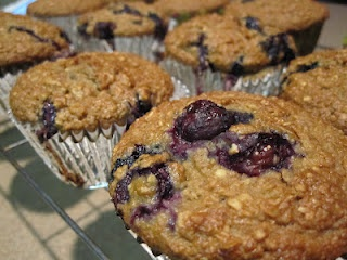 Insanely Good Blueberry Oatmeal Muffins | Food & Drinks | Pinterest