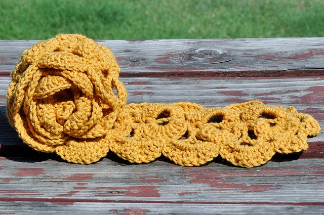 Free Crochet Pattern Scallop Scarf : Crochet Scallop Scarf FREE pattern Crochet and Sewing ...