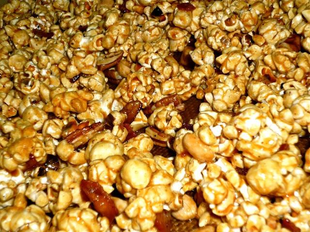Spicy Nutty Maple-Bacon Caramel Corn (use #KernelSeasons Pumpkin Spice ...