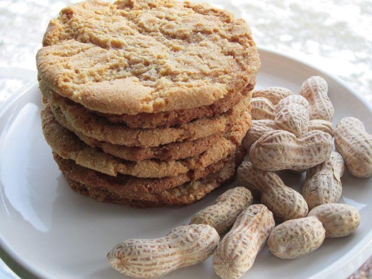 Crispy Peanut Butter Oatmeal Cookies - The best peanut butter cookie ...