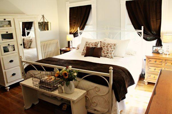 Winter Bedroom Ideas Warm Chocolatey Accents Pillow Arrangement