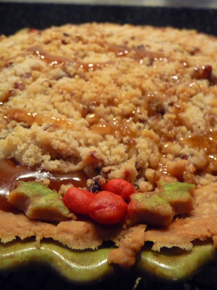 Caramel Apple Pecan Pie with Holly and Ivy decorations :)