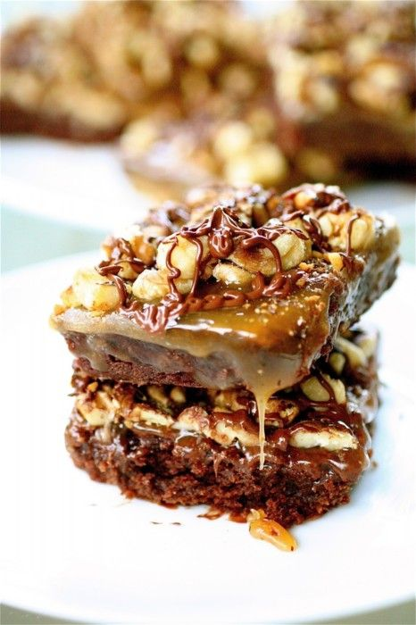 boyfriendreplacement: Turtle Brownies with homemade caramel sauce ...