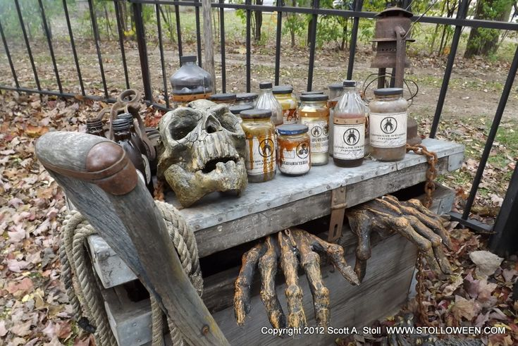 Great ideas for a potions display for Halloween yard haunt