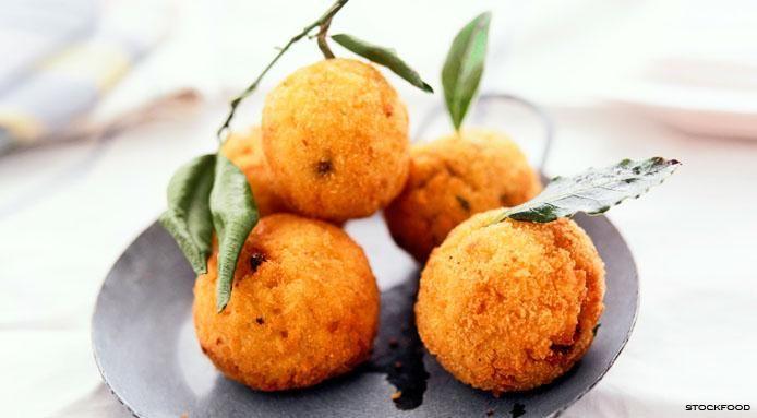 Italian #arancini di riso, deep fried rice balls made with rice ...