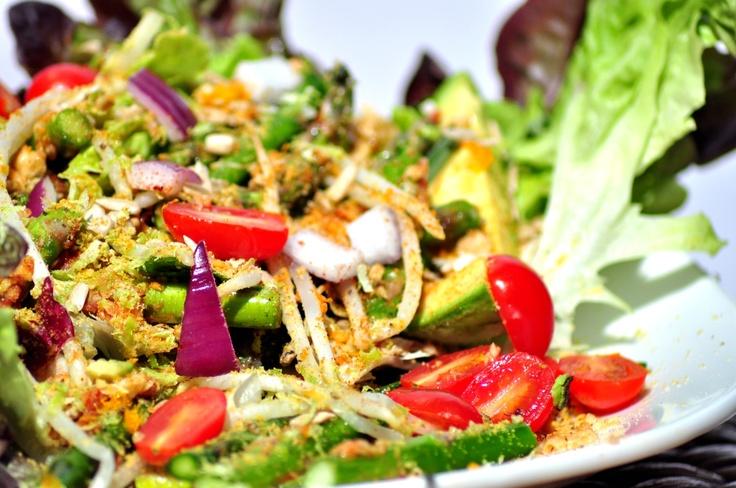 Chicken, Asparagus & Mango Lettuce Wraps #gluten-free