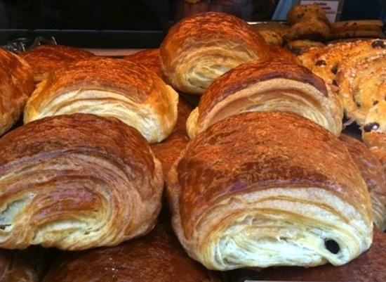 Le petit pain au chocolat -Jo Dassin | Eat Parade - L'alimentation en ...