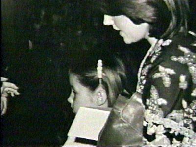 Priscilla (1977 June) - priscilla-presley-and-lisa-marie-presley Photo