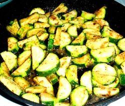 EASY Garlic Parmesan Zucchini Saute | Favorite recipes | Pinterest