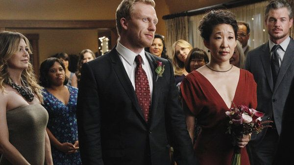 Cristina Yang's and Owen Hunt's wedding, love her dress and Meredith&...