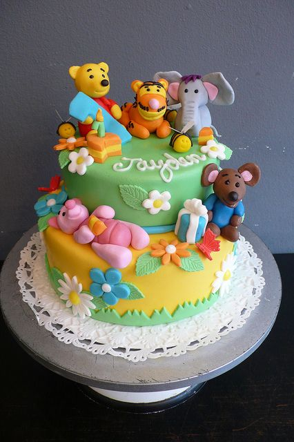 Winnie The Pooh Birthday Cake by CAKE Amsterdam - Cakes by ZOBOT, via Flickr