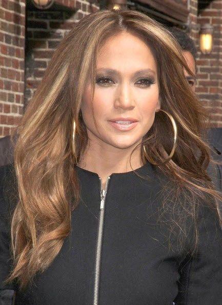 Jennifer Lopez caramel hair color with honey blonde highlights