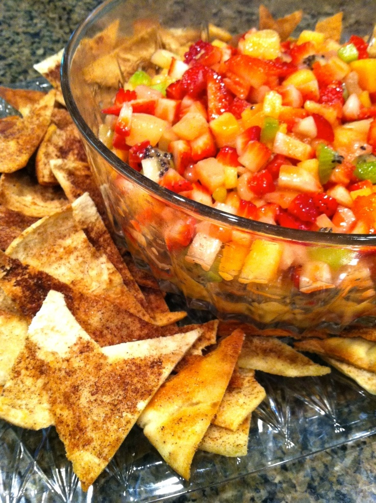 Summer Fruit Salsa with Baked Cinnamon Sugar Pita Chips http ...