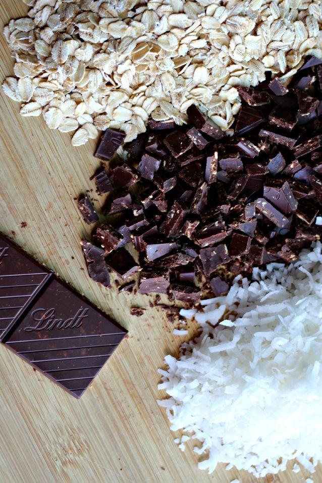 oatmeal, coconut chocolate chunk cookies | things worth styling | foo ...