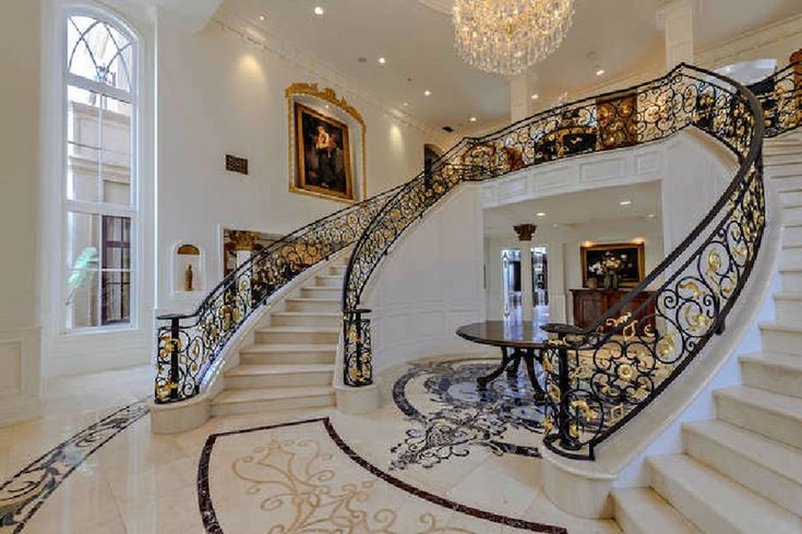 Via Annette RosalesGrand Double Staircase