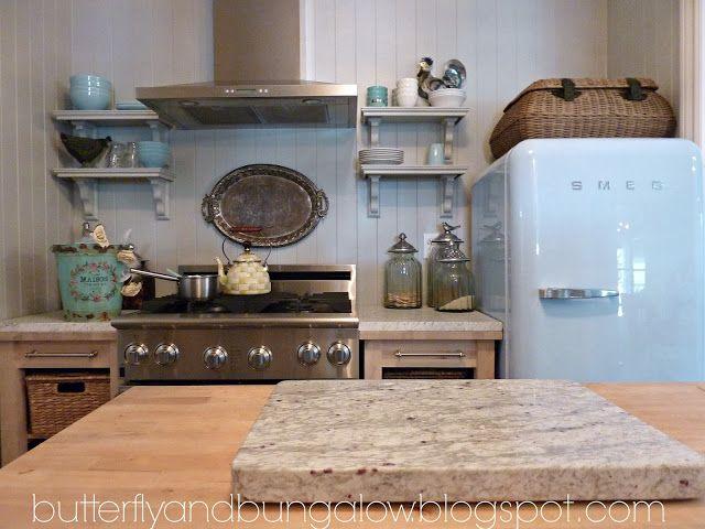 small kitchen Cabin kitchen Pinterest