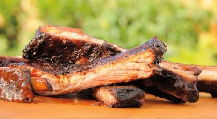 http://www.weber.com/recipes/pork/slow-smoked-spareribs-with-sweet-and ...