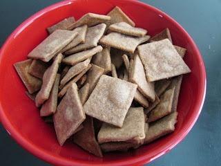 Healthy kid snack! Cinnamon Honey Wheat Thins!