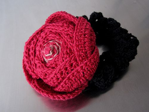 Crochet Hair Red : Red Cotton Crochet Rose Hair Accessory DIY Pinterest
