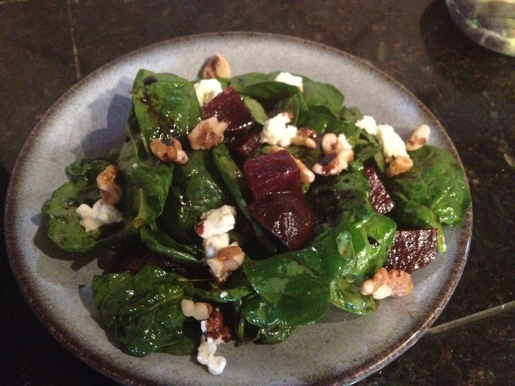 Spinach & beet salad with goat cheese and walnuts