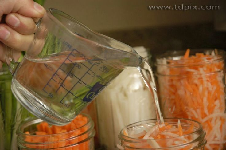 banh mi battle vietnamese pickled daikon and carrot recipe
