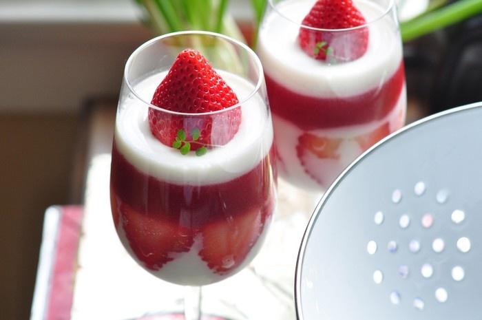 strawberry yogurt mousse. | Breakfast | Pinterest