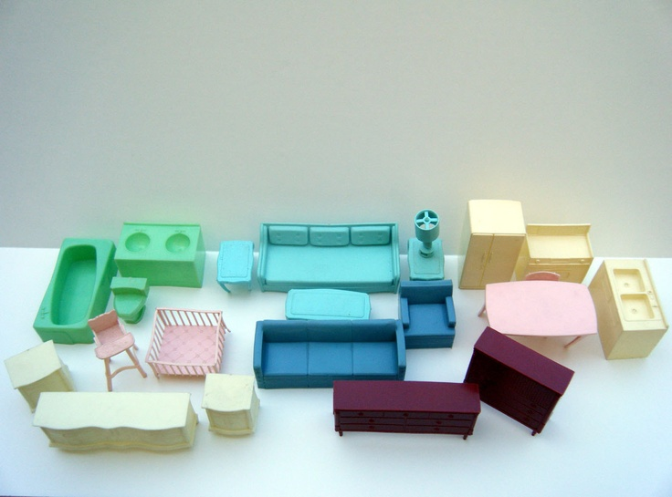 Vinatage Dollhouse Furniture Lot Of 23 Pieces Plastic 1960 39 S Doll Hou