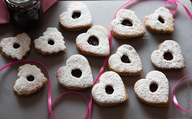 Linzer cookies for valentines day | FlavzCorner | Pinterest