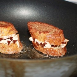 Italian Cannoli stuffed French toast for your Valentine