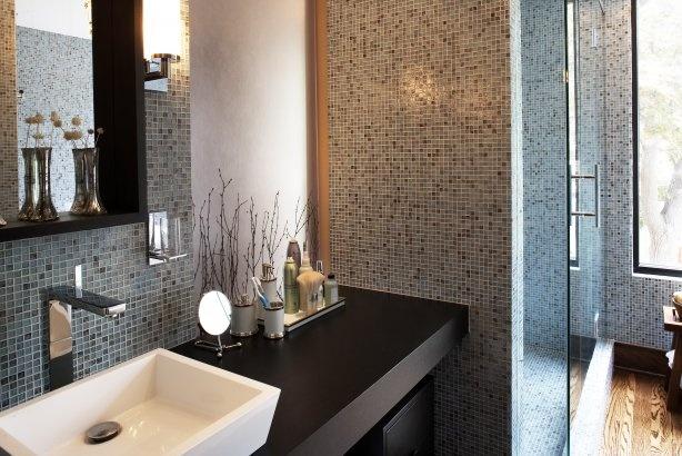 Warm brown earth tone mosaic bathroom home design for Bathroom decor earth tones