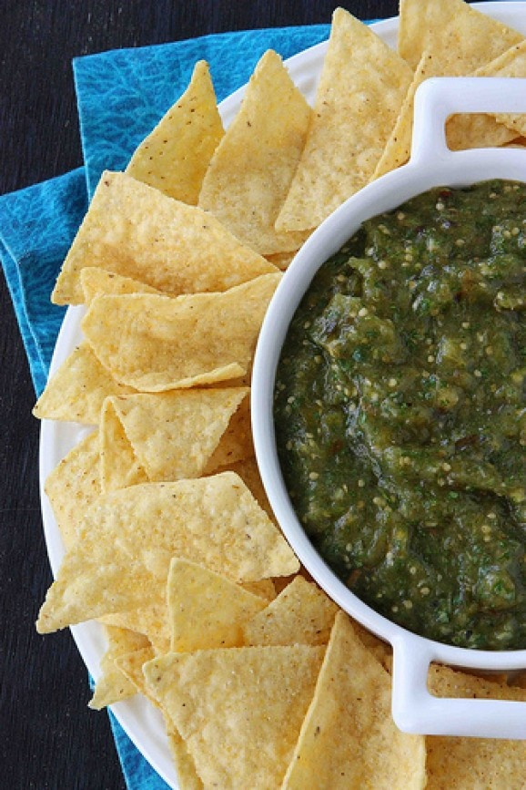 roasted tomatillo salsa verde | fresh and delish | Pinterest