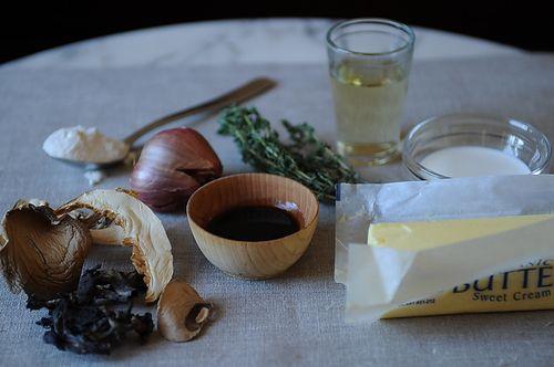 Vegetarian Mushroom Thyme Gravy | Recipe
