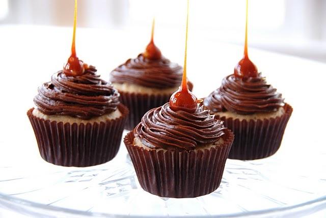 Candied Hazelnut Cupcakes from simplegirlathome.blogspot.com