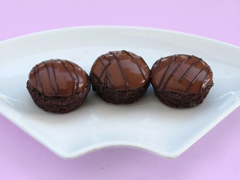 Brownie Bites with Chocolate Mousse | Cookies - Mini Muffin Cups | Pi ...
