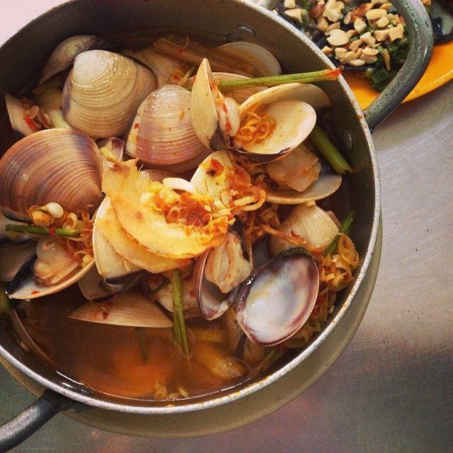 Thai-style Steamed Clams Recipe — Dishmaps