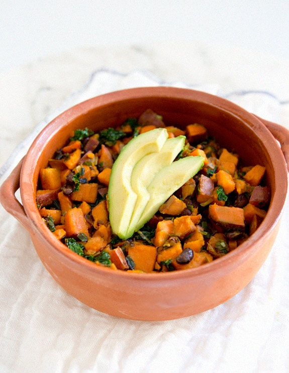 sweet potato, kale and black bean hash + tips on squeezing cooking/healthy eating into a busy life by @Sarah Yates / A House in The Hills #vegan