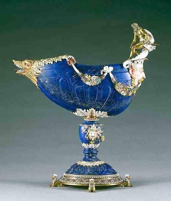 Nef en lapis-lazuli (XVIe siècle Italie), entrée dans la collection de Louis XIV avant 1673 – monture: Paris, vers 1670 - Paris, Musée du Louvre