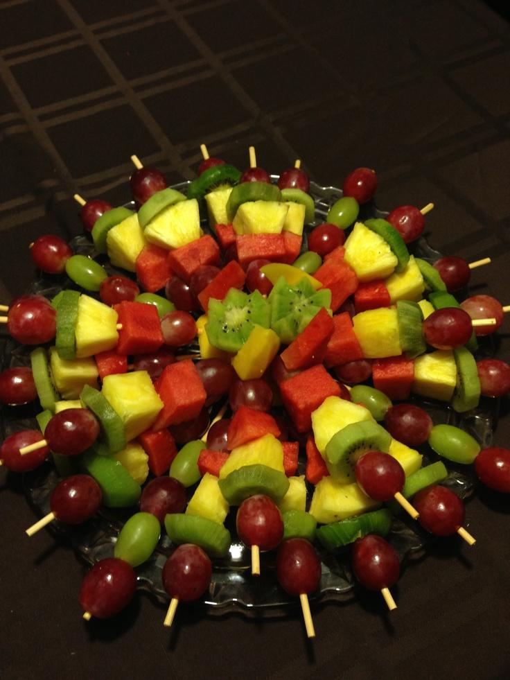 Fruit tray fruit tray ideas pinterest for Decoration fruit