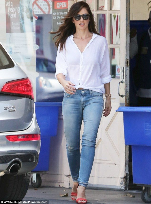 Minka kelly donates bags of clothes to goodwill then goes shopping