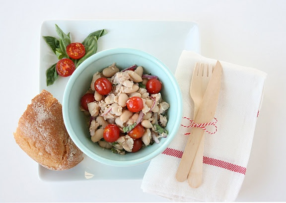 made it- ITALIAN TUNA AND WHITE BEAN SALAD- Yummy! good for summer ...