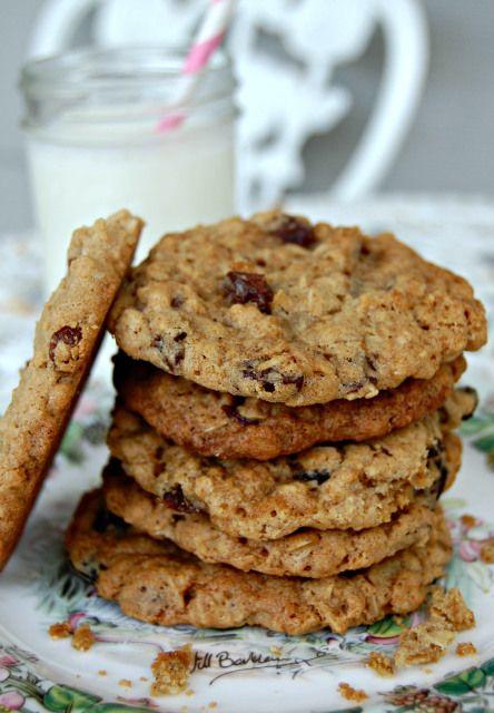 Goal Break Chewy Oatmeal Raisin Cookies | Recipe