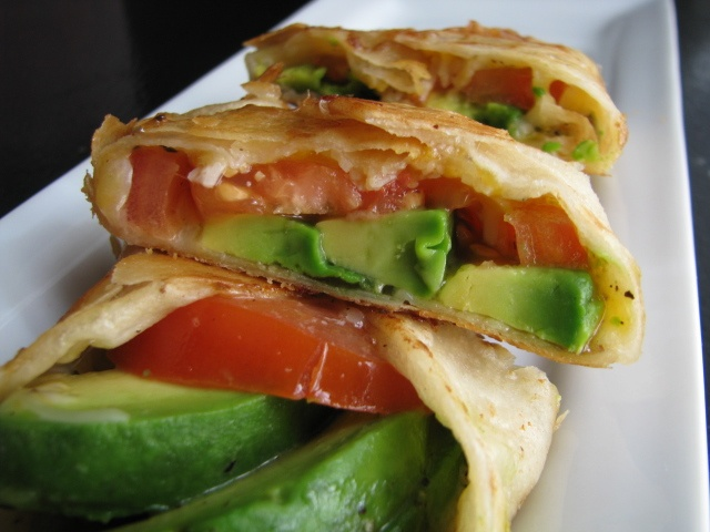 avocado quesadilla!! yummmmm | Yum | Pinterest