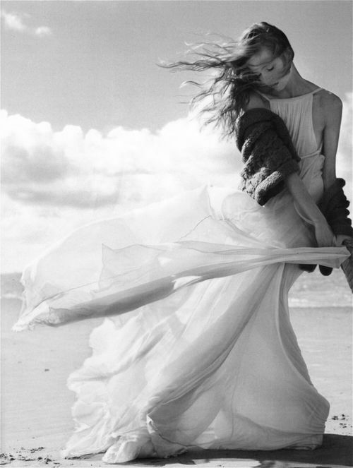 Anne Marie Van Dijk eautiul wedding pose for beach wedding