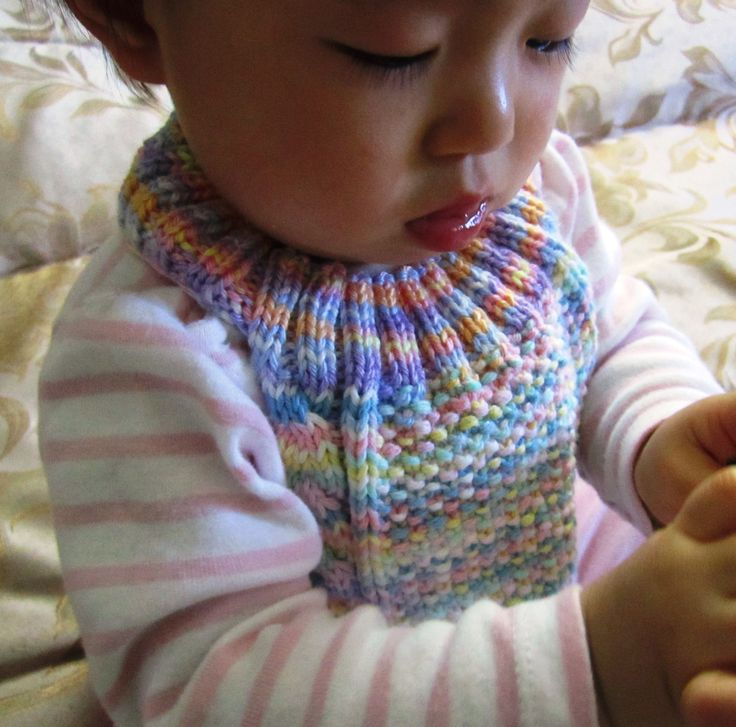 Infinity Scarf Free Knitting Patterns : Cable Stay-on Baby Bib Free Knitting Pattern