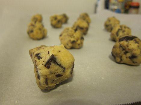 Sweet and salty chocolate chunk cookies with sea salt flakes