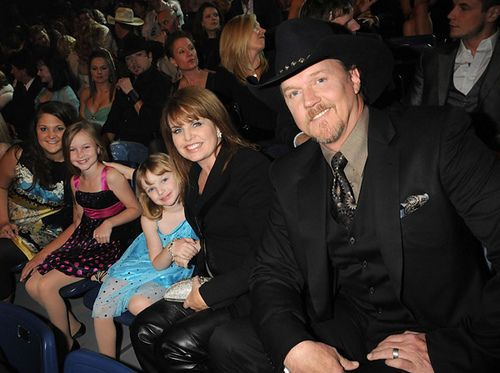 Pin By Karen Sellman On Trace Adkins And Other Singers Pinterest