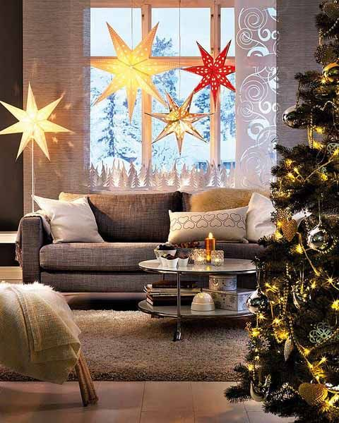 20 Beautiful Window Sill Decorating Ideas For Christmas And New Years