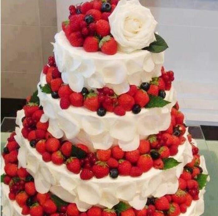 English Fresh Cream Cakes