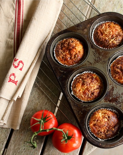 SUN-DRIED TOMATO AND COTTAGE CHEESE MUFFINS